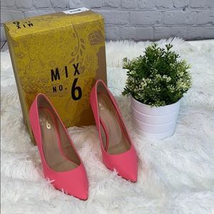 MIX No 6 NWB Pink Pumps Size 7 1/2
